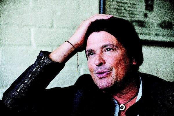 El disco de Carlos Vives, Corazón profundo es producido por el colombiano Andrés Castro y mezclado por el estadounidense Curt Schneider. AFPProducción.