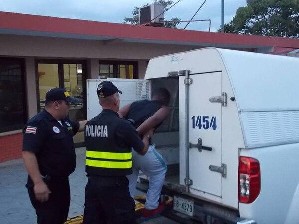 El colombiano fue capturado en Puntarenas, por agentes del OIJ de Puriscal, en colaboración con la Fuerza Pública. | MARVIN GAMBOA.