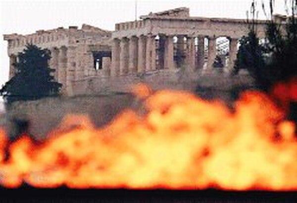 El Partenón, en la Acrópolis de Atenas, es testigo de los esfuerzos griegos para tener listas las sedes olímpicas.   EFE /LA NACIÓN
