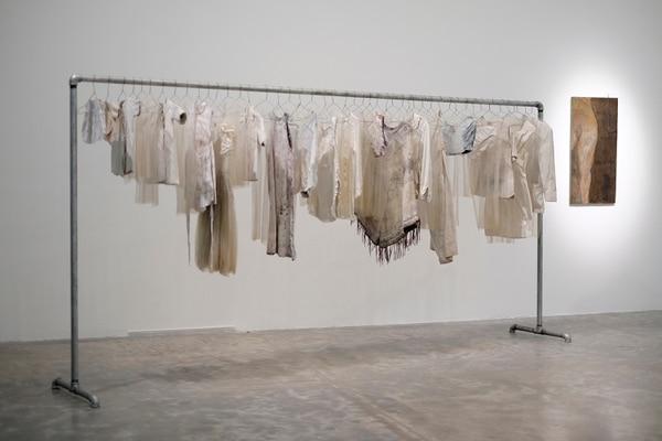 La instalación Hoja de vida, que Pérez-Ratton hizo en 1995, es parte de la exposición en México. Foto: Daniela Morales Lisac/TEOR/éTica.