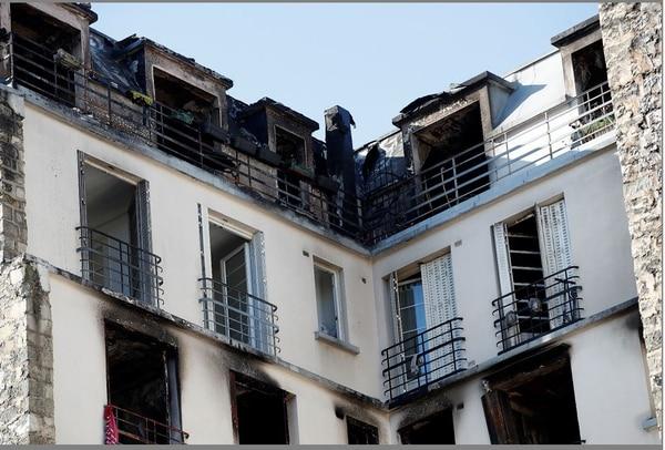 El edificio está ubicado en la calle Erlanger, en el distrito 16, de clase alta y uno de los más tranquilos de París. Foto AP