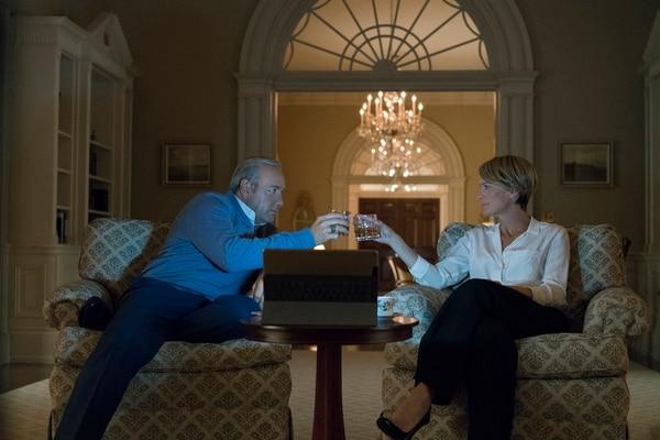 En la quinta temporada de House of Cards, Frank Underwood (Kevin Spacey) aseguraba que manejaría la política estadounidense detrás de bambalinas. Fotografía: Archivo La Nación