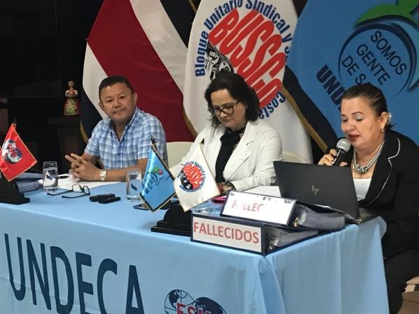 Luis Chavarría, y Marta Rodríguez (der.) de Undeca, así como la cardióloga Sofía Bogantes, participaron en la conferencia.
