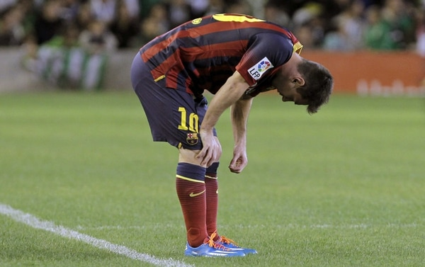 Los médicos aseguran que el argentino Lionel Messi debe, además, recuperar el estado físico para responder a lo que resta de la temporada. | EFE