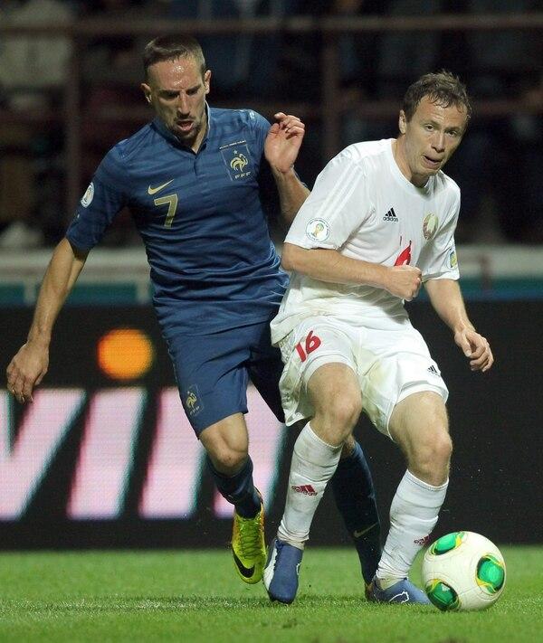 Franck Ribéry lideró a Francia a su triunfo sobre Bielorrusia, el cual le asegura pelear el repechaje para optar por una plaza para Brasil 2014.
