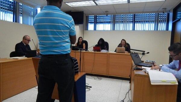 Los jueces son Karen Parrales, Verónica Dixon y Xinia Marín.