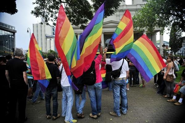 En diciembre, los defensores de derechos gais realizaron una manifestación. Los grupos religiosos buscan contrarrestarlos. | JULIANA BARQUERO /ARCHIVO