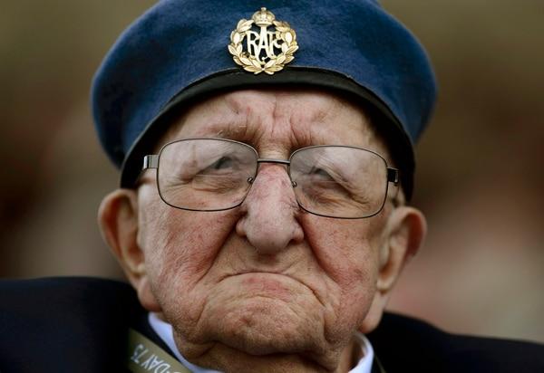 Este veterano asistió este miércoles 5 de junio del 2019 en la conmemoración del 75.° aniversario del Día D, en Portsmouth, Inglaterra.