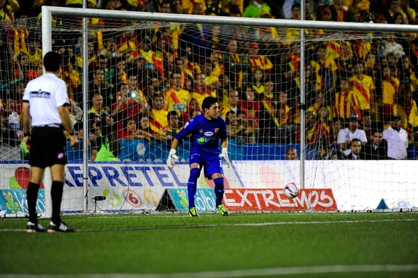 Moreira no atajó ningún penal en la final del 2013. | J.DURÁN