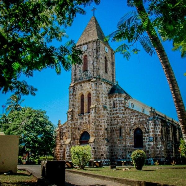 La Catedral de Puntarenas es un punto infaltable en una caminata por el centro de la ciudad. Su belleza arquitectónica llama la atención de los visitantes. Foto: Néstor Herrera para LN.