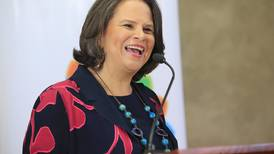 Figuras del sector cultural piden a Carlos Alvarado destituir a ministra de Cultura, Sylvie Durán