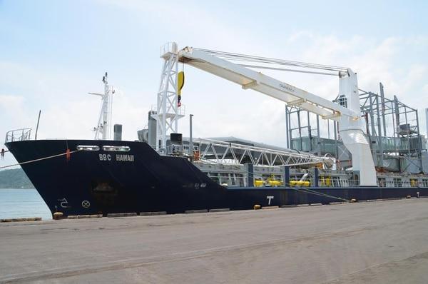 El costo del nuevo equipo es de unos ¢3.000 millones. Procede de Alemania y agilizará las descargas de barcos en el Pacífico.