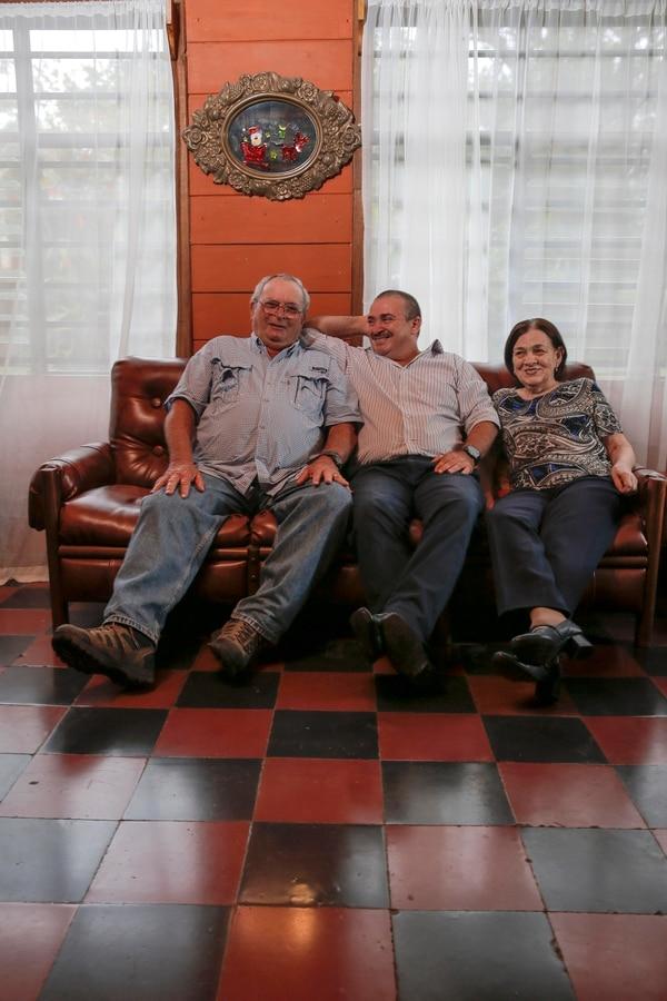 En esta casa se crió el entrenador de la Sele junto a sus padres Óscar Ramírez y Ana María Hernández. | Foto: Mayela López