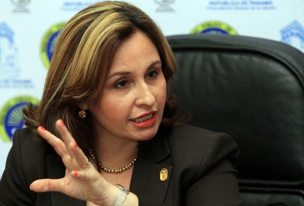 La Procuradora General de Panamá, Kenia Porcell, dijo ayer que por lo menos en un caso de corrupción que se investiga del gobierno de Ricardo Martinelli se pueden identificar signos propios del crimen organizado. | EFE