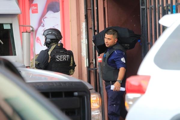 El operativo se desarrolló el 30 de abril del 2019 en el barrio chino y permitió al OIJ y la Fiscalía decomisar dinero y detener a los sospechosos, Foto: Rafael Pacheco.