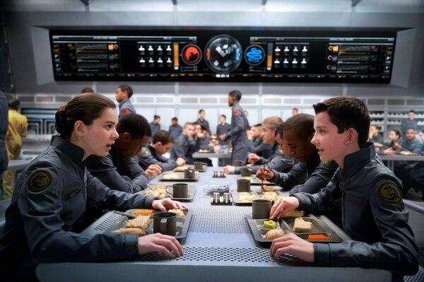 Hailee Steinfeld, como Petra, acompañará a Ender en su misión. | ROMALY /LN