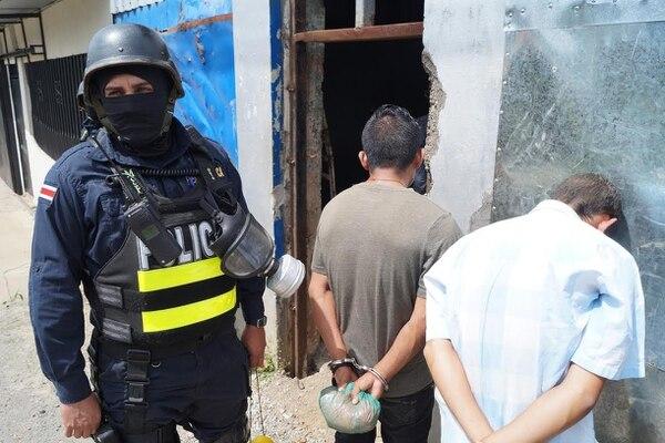La investigación policial dio inicio gracias a siete denuncias anónimas por medio de llamadas a la línea confidencial de la PCD, 1176