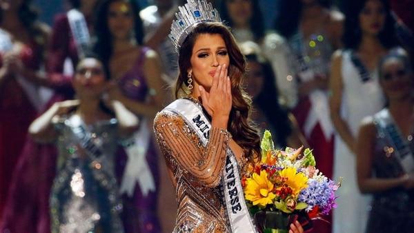 La francesa Iris Mittenaere es la actual reina de la belleza mundial.