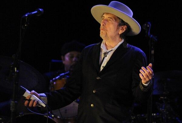 Esta foto de archivo es de Bob Dylan en el Festival Vieilles Charrues de Francia, donde tocó el 22 de julio del 2012.