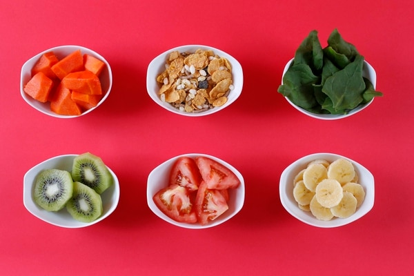 Cada familia de alimentos aporta nutrientes necesarios para el buen funcionamiento del organismo, la carencia de algunas sustancias podría crear perjuicios en lugar de beneficios a la salud. Fotografía: Mayela López.