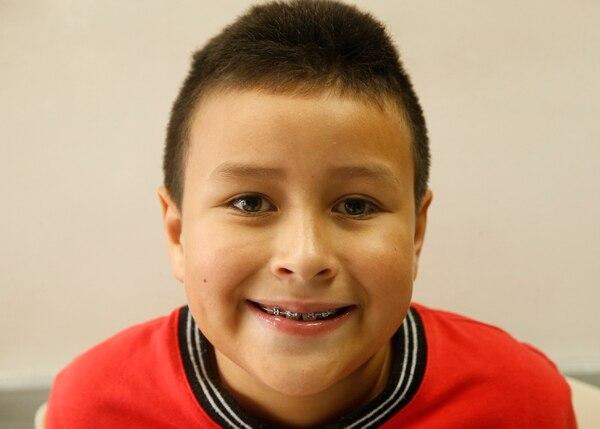 Gracias a un tratamiento temprano, Kevin luce hoy una linda sonrisa.. Foto: Albert Marín.