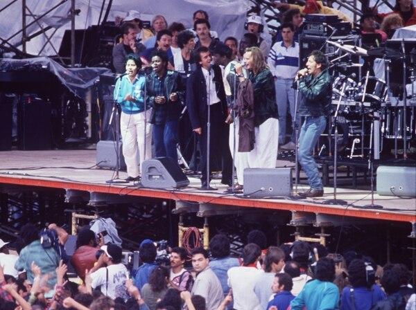 En setiembre de 1988, Bruce Springsteen se presentó en Costa Rica en el concierto de Derechos Humanos Ya en el Estadio Nacional, junto a Sting, Peter Gabriel, Youssou N'Dour, Tracy Chapman y Guadalupe Urbina. Foto Mariano Matamoros