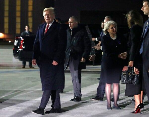 El presidente Donald Trump arribó este viernes 9 de noviembre del 2018 al aeropurrto de Orly, cerca de País, para asistir a la conmemoración del centenario del fin de la Primera Guerra Mundial.
