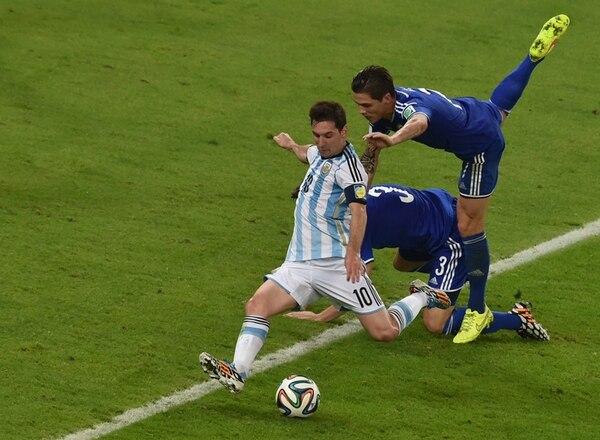 Ocho años –menos un día– tardó Lionel Messi en volver a marcar en un Mundial. Ayer lo hizo en el mejor momento: en su primer partido en el mítico Maracaná. | AFP