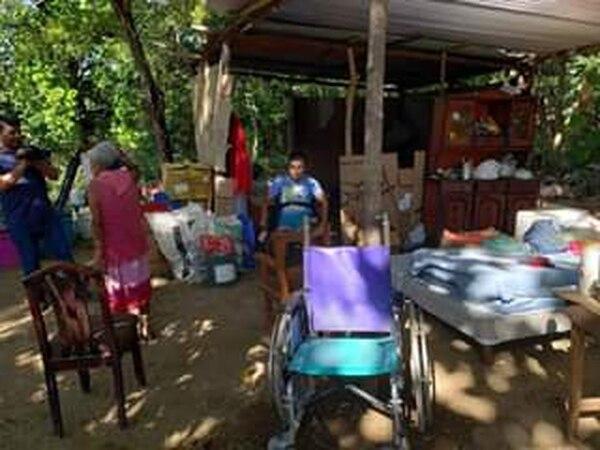 El rancho no tiene condiciones para que estas dos personas vivan. No hay acceso ni a electricidad ni a agua potable; tampoco tiene servicio sanitario. Foto: Cortesía Dinarte Noticias