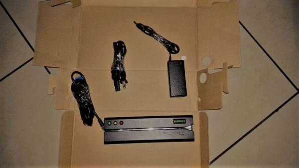 Para robar la información, el sujeto usaba 'skimmers' y una micro cámara.