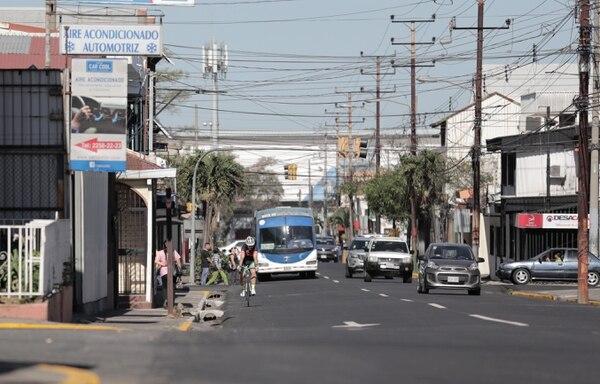 Avenida 6. Inicia el recorrido de lo que sería la ciclovía en el sentido oeste-este o Sabana-UCR.