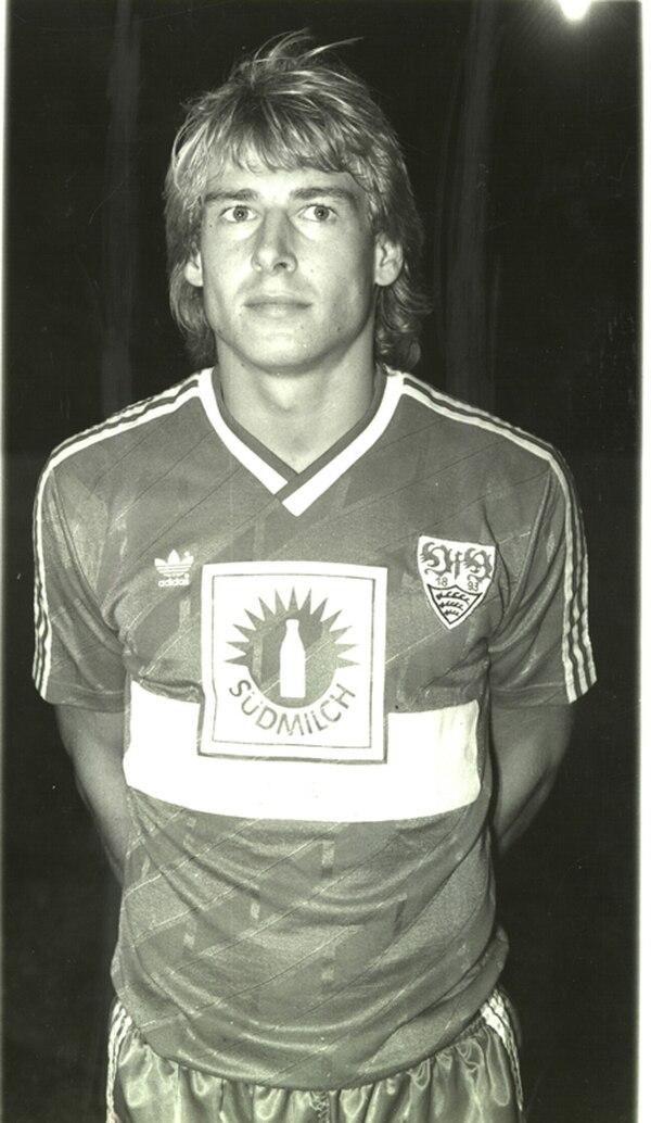 Imagen de Klinsmann en 1988 con el Stuttgart, en Costa Rica. | ARCHIVO