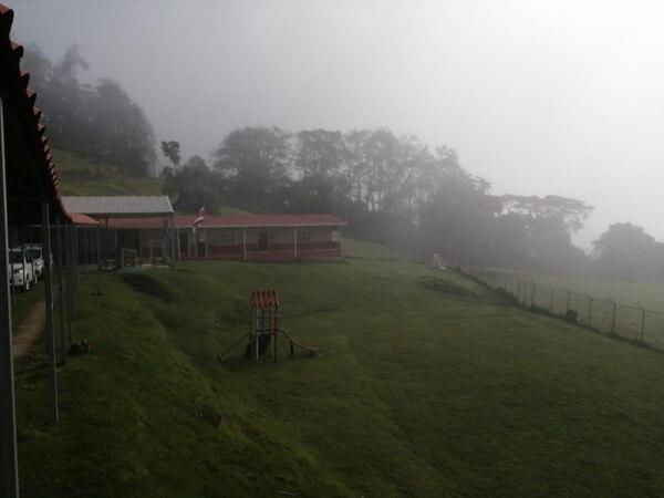 La neblina cubrió la comunidad de Pacayas de Alvarado, Cartago. Foto: Keyna Calderón, corresponsal GN