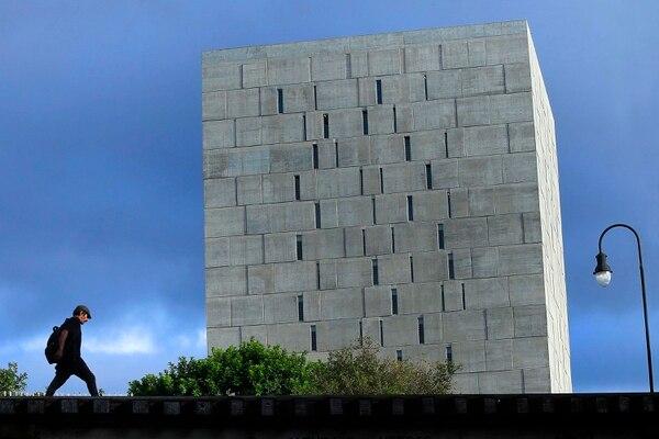 La estructura de concreto expuesto luce imponente desde avenida 6 y calle 15, cerca de los Tribunales de Justicia de San José. Foto: Rafael Pacheco