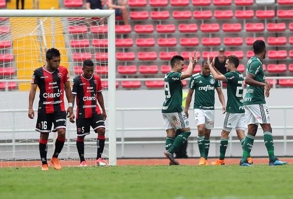 Alajuelense cayó por goleada 6-0 ante el Palmeiras en el Estadio Nacional. Fotografía: John Durán