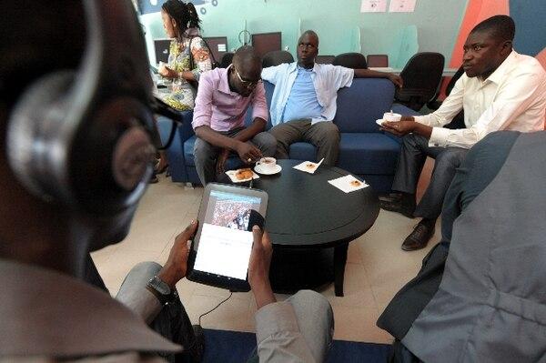 Un 'tabletcafé' abre sus puertas en Dakar con ayuda de Google - 1