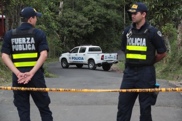 La calle Cochea comunica Alajuelita con Poás de Aserrí. El cuerpo fue hallado a un lado de la carretera. Foto: Alonso Tenorio