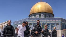 Diez palestinos resultaron detenidos tras enfrentamientos con la Policía israelí en Jerusalén Este