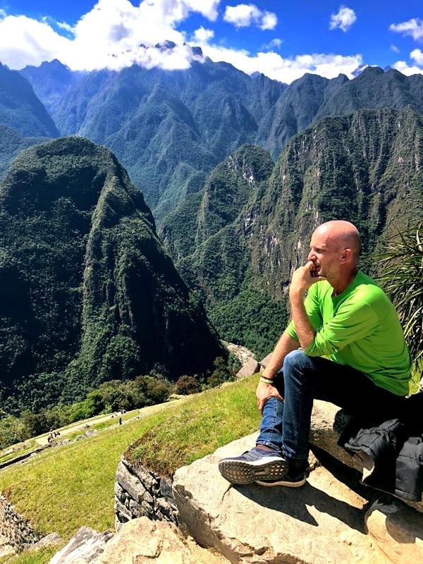 Otro de los países que visitó Logothetis fue Perú, donde llegó hasta el monumento de Machu Picchu, del cual quedó completamente cautivado. Según dijo, allí sintió una energía que aún le resulta difícil de describir. Fotografía: BYUTV para La Nación