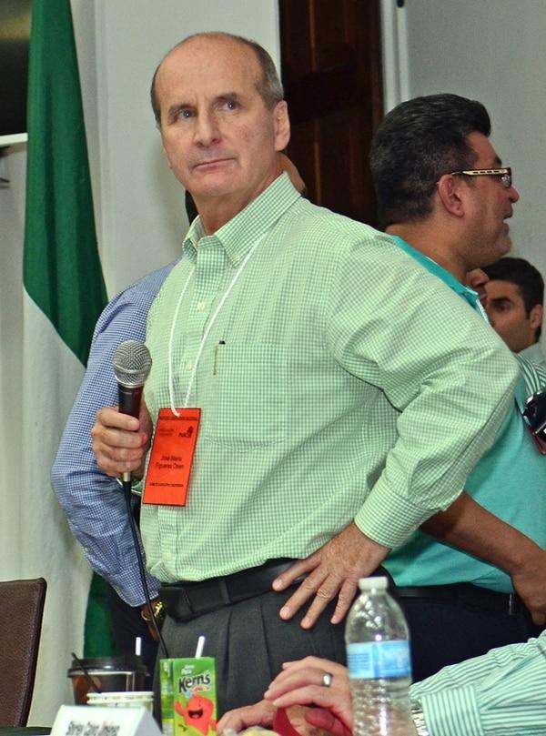 José María Figueres llevó la batuta de una sesión en la que todo parecía en el aire, a pesar de un acuerdo de la noche del viernes que no se anunció .   MARIO ROJAS