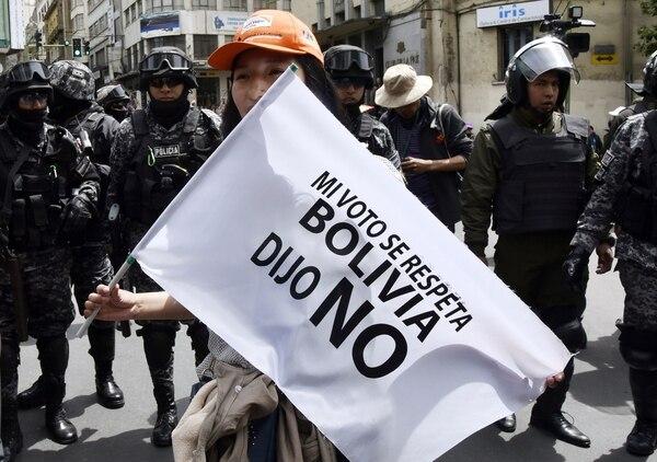 Esta opositora protestó -el 6 de diciembre del 2019- frente a la sede del Tribunal Supremo Electoral, en La Paz, contra la resolución que autorizó al presidente Evo Morales volverse a presentar como candidato a la reelección.