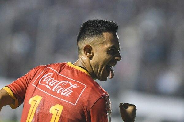 Jimmy Marín festejó el gol que le dio el título al Herediano FOTO: AFP