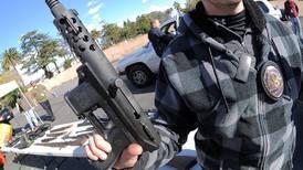 Tras matanza de Connecticut, sube venta de armas