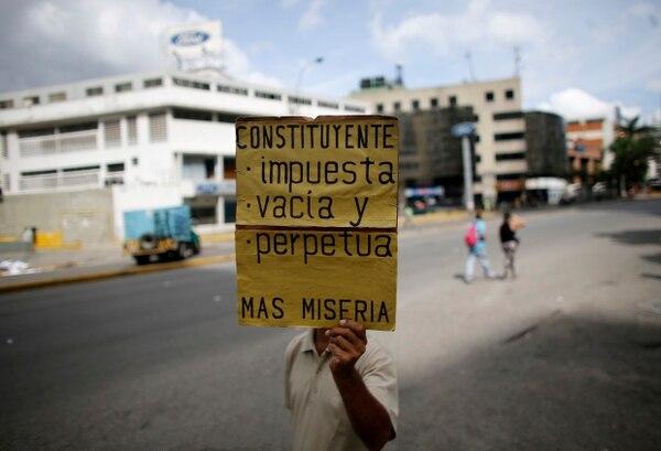 Resultado de imagen para imagenes de manifestaciones en venezuela no a la constituyente