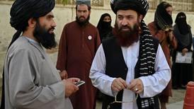 EE. UU. y los talibanes se reúnen por primera vez luego de la retirada de tropas de Afganistán