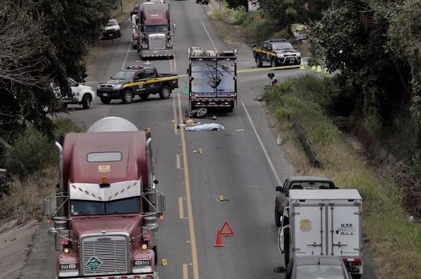 A las 12:15 p. m. el paso seguía cerrado en el cruce de San Miguel de Santo Domingo, en la ruta entre San José y Limón, debido al mortal accidente.