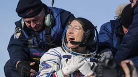 Astronauta regresa a la Tierra tras batir el récord femenino de permanencia en el espacio