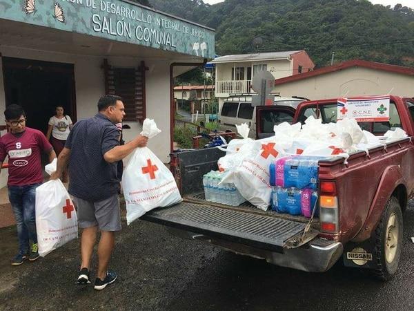 La ayuda se distribuye entre los 76 cantones afectados.