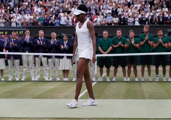 Tras perder el primer set, Venus Williams se desplomó en el segundo.