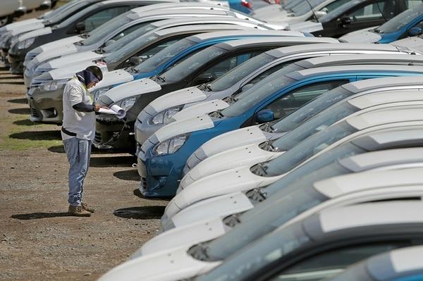 La actividad económica del sector automotriz tuvo, durante todo el 2018, variaciones negativas, según datos del Banco Central. Archivo